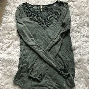 Free People green embroidered long sleeve small